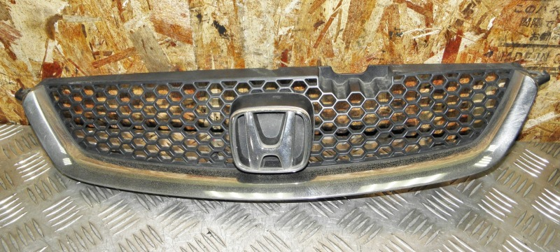 Решетка радиатора Honda Accord CF3 F18B 2000