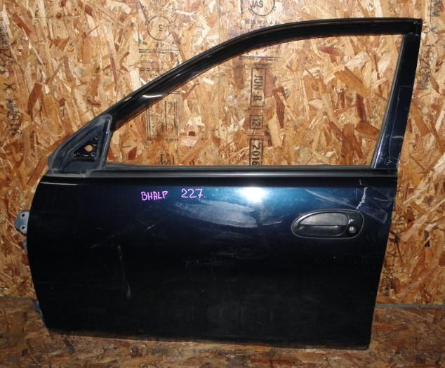 Дверь Mazda Familia BHALP Z5 1996 передняя левая