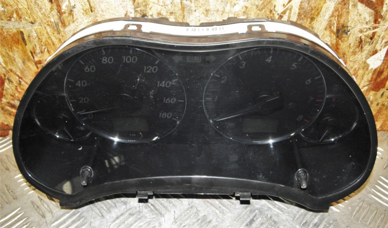 Щиток приборов Toyota Avensis AZT250 1AZFSE 2006