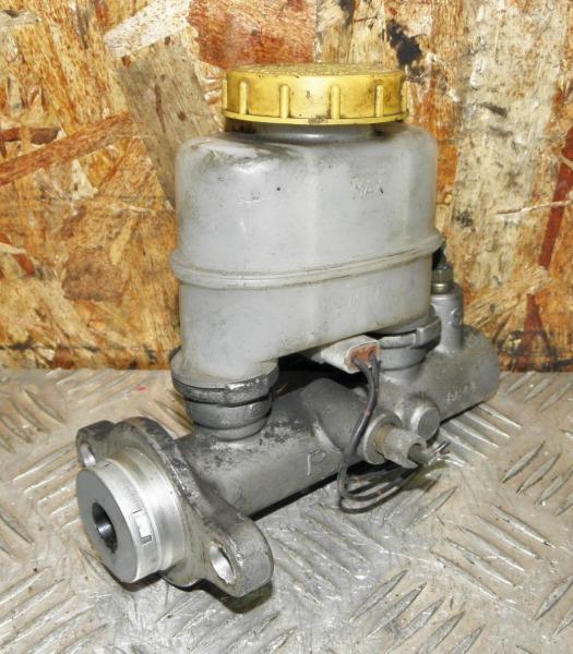 Главный тормозной цилиндр Nissan Expert VNW11 QG18DE 2001