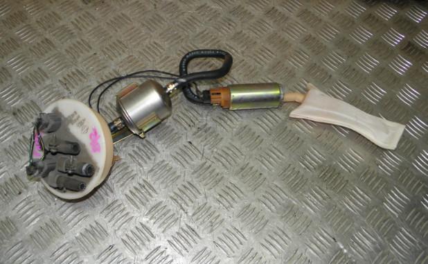 Топливный насос Nissan Sunny FNB15 QG15DE 2000