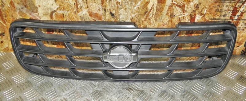 Решетка радиатора Nissan Expert VNW11 QG18DE 2001
