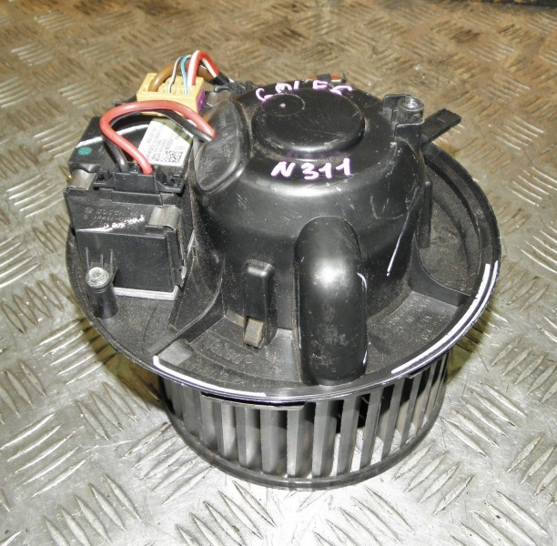 Мотор печки Volkswagen Golf 6 Variant 5K1 CAVD 2010