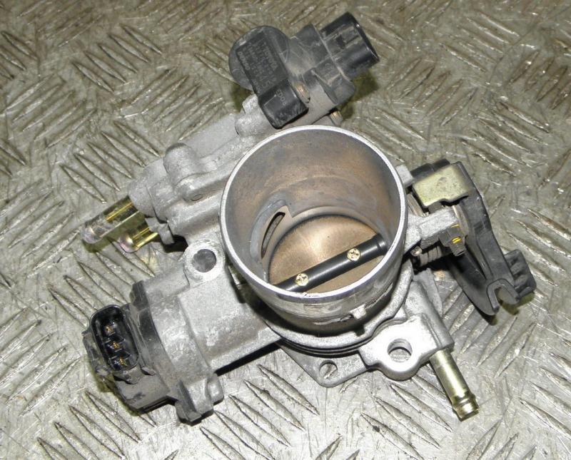 Блок дроссельной заслонки Toyota Ist NCP60 2NZFE 2002