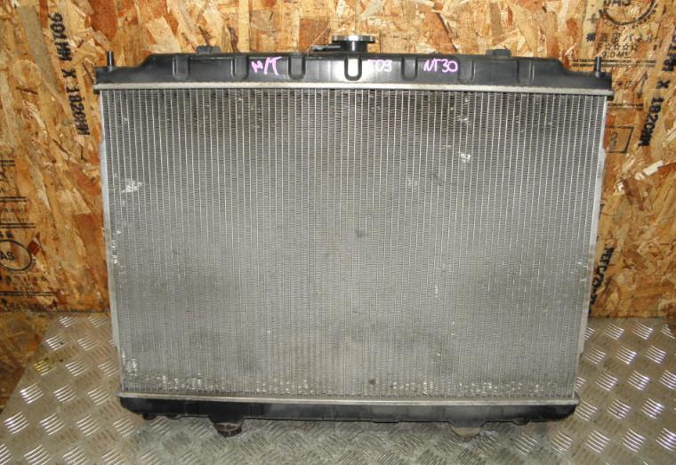 Радиатор двс Nissan X-Trail NT30 QR20DE 2002