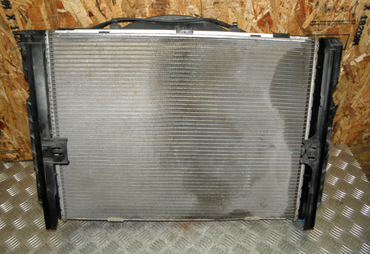 Радиатор двс Bmw 3-Series E90 N46B20B 2006