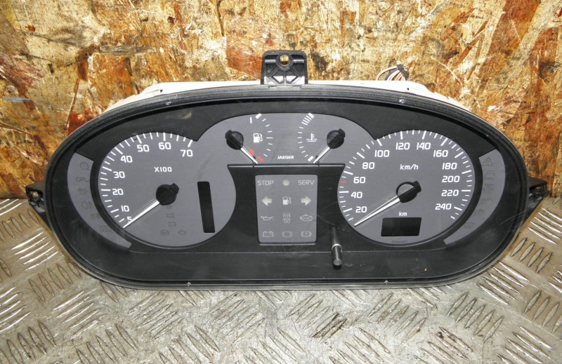 Щиток приборов Renault Megane BA K4M 2001
