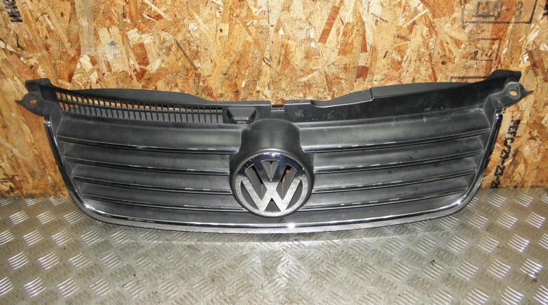 Решетка радиатора Volkswagen Passat B5 AZM
