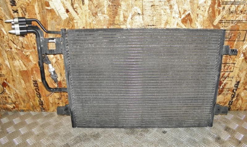 Радиатор кондиционера Volkswagen Passat B5 AZM