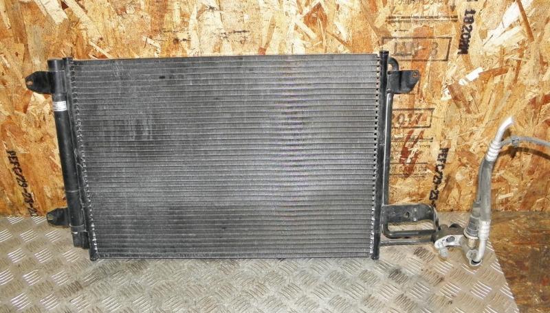 Радиатор кондиционера Volkswagen Golf V AXW