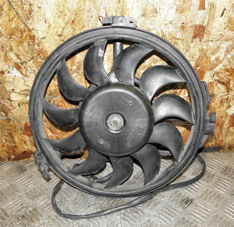 Диффузор радиатора Volkswagen Passat B5 AZM