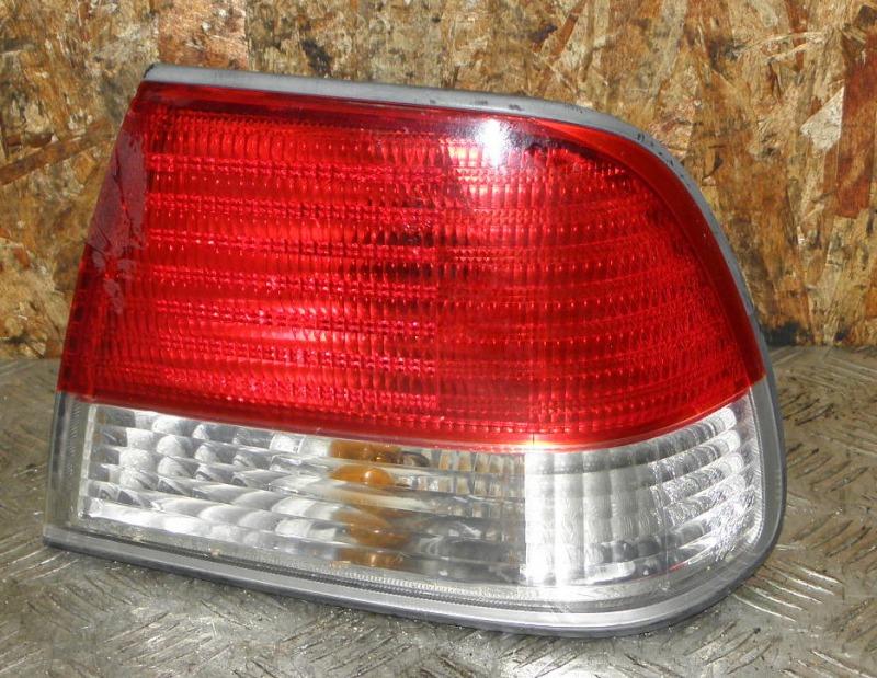 Стоп Nissan Sunny FNB15 QG15DE 1999 задний правый