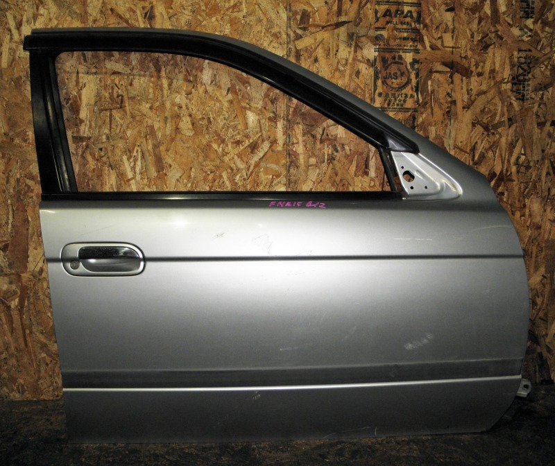 Дверь Nissan Sunny FNB15 QG15DE 1999 передняя правая