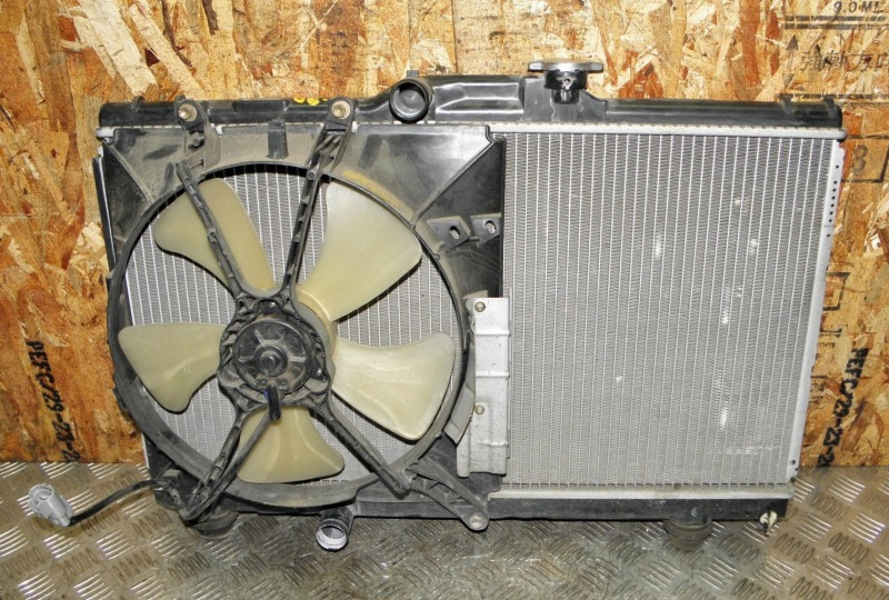 Диффузор радиатора Toyota Corolla Wagon AE100 5AFE 1999