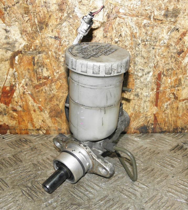 Главный тормозной цилиндр Mazda Proceed Levante Escudo TJ32W TD32W RFTE 1999