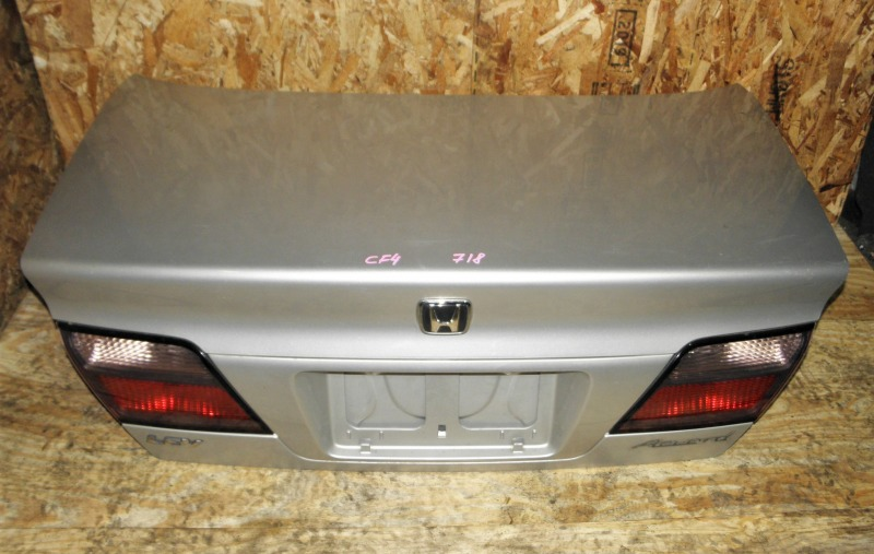 Крышка багажника Honda Accord CF4 F20B 1999