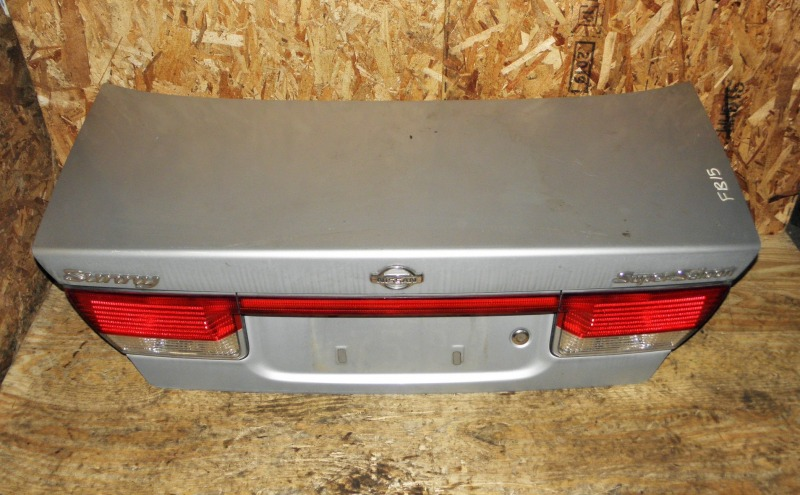 Крышка багажника Nissan Sunny FB15 QG15DE 2001