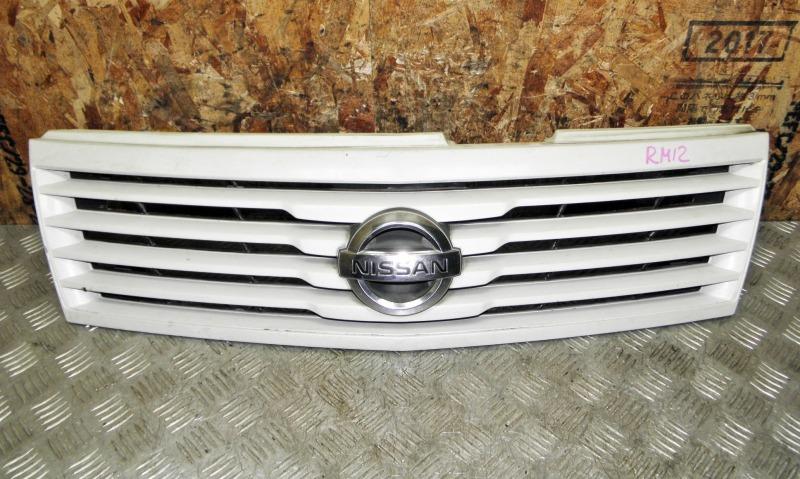 Решетка радиатора Nissan Liberty RM12 QR20DE 2002
