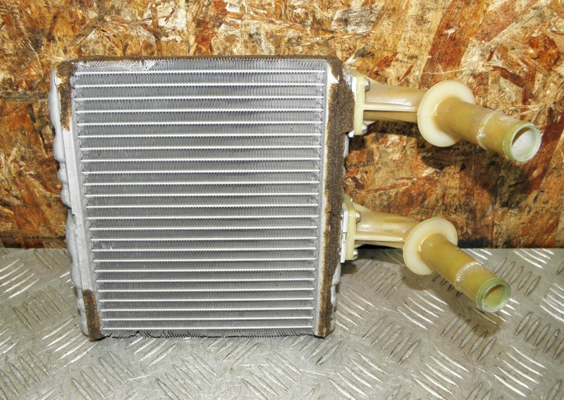 Радиатор печки Nissan Liberty RM12 QR20DE 2002