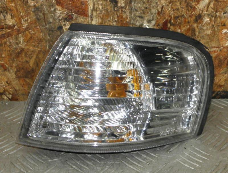 Габарит Nissan Sunny FB15 QG15DE 2001 передний левый