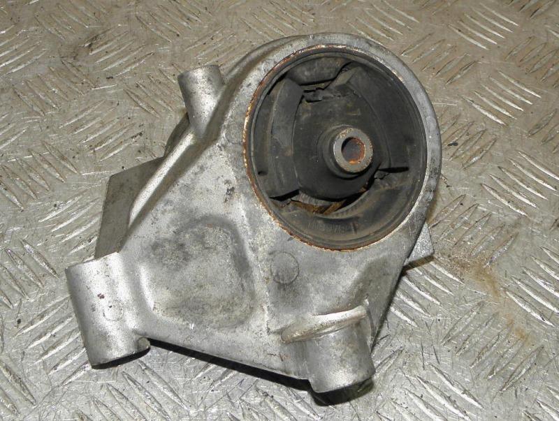 Подушка двигателя Nissan Liberty RM12 QR20DE 2002 правая