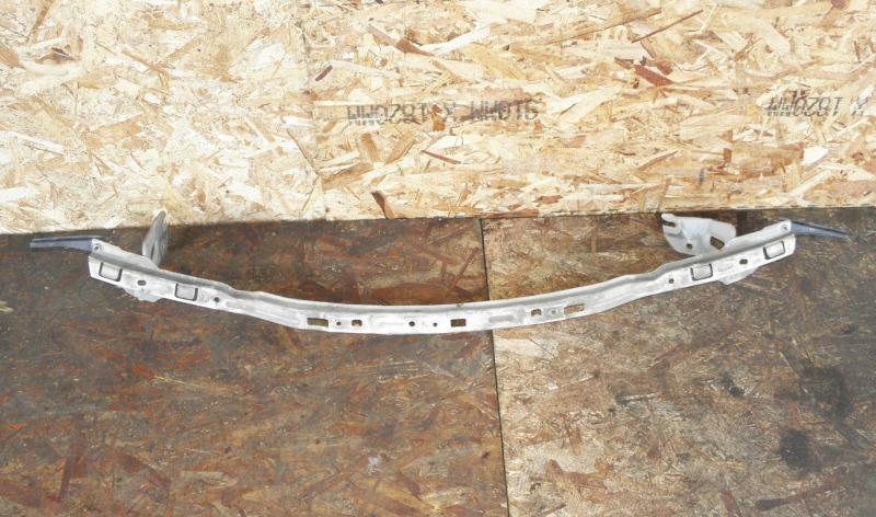 Планка под фары Nissan Serena TC24 QR20DE 2003