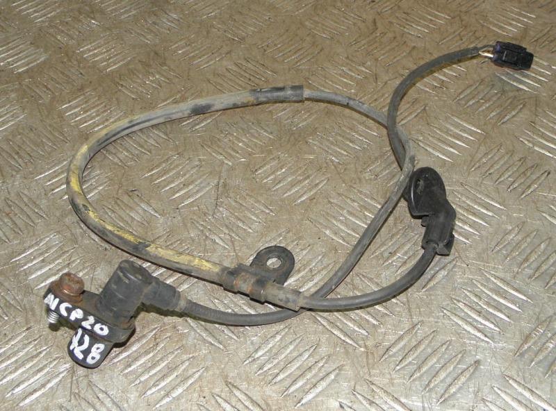 Датчик abs Toyota Funcargo NCP20 2NZFE 2002 передний правый