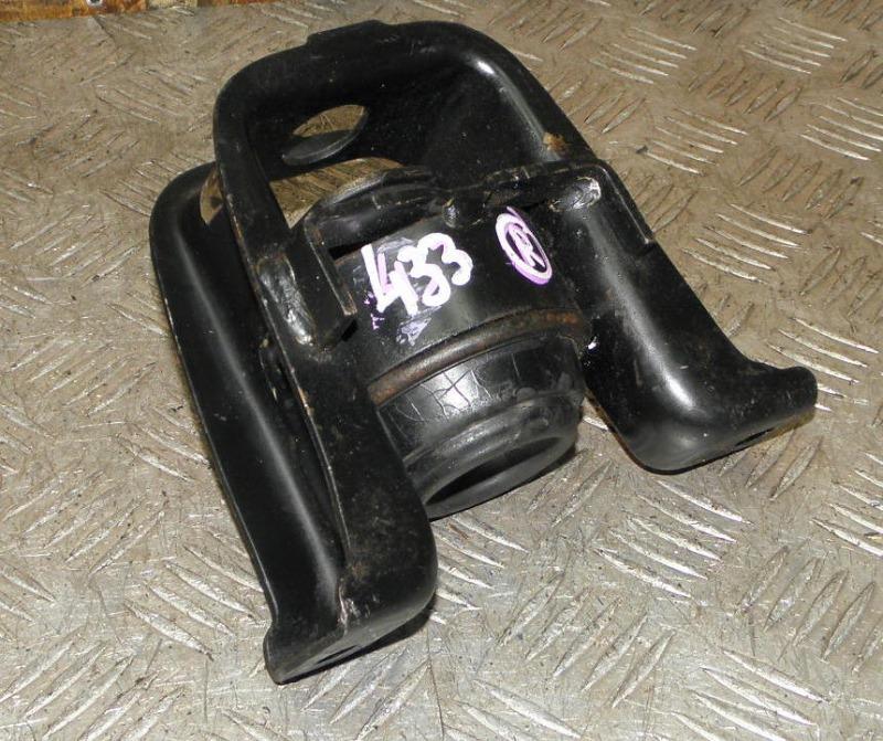 Подушка двигателя Toyota Corolla Fielder ZZE124 1ZZFE 2000 правая