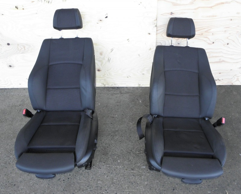 Сидение Bmw 1-Series E87 N46B20 2007