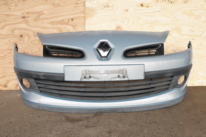 Бампер Renault Clio BR K4M801 (1.6) 2008 передний