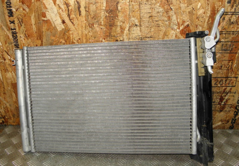 Радиатор кондиционера Bmw 1-Series E87 N46B20 2007