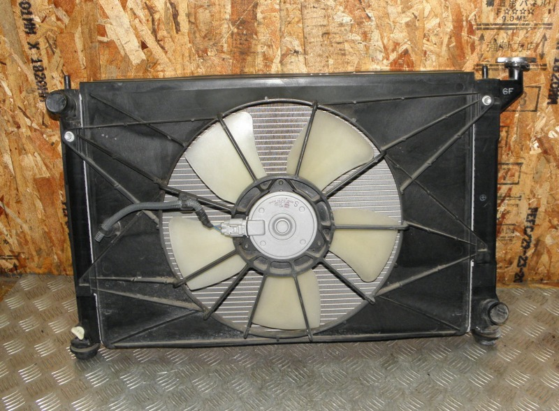 Радиатор двс Toyota Wish ZNE10 1ZZFE 2005