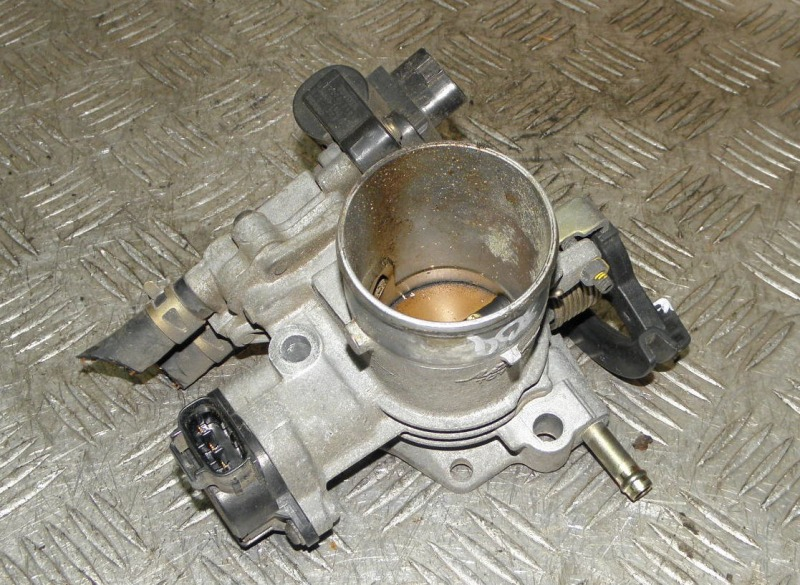 Блок дроссельной заслонки Toyota Platz NCP12 1NZFE 2002