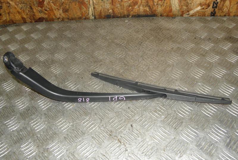 Дворник пятой двери Honda Fit GD1 L13A задний