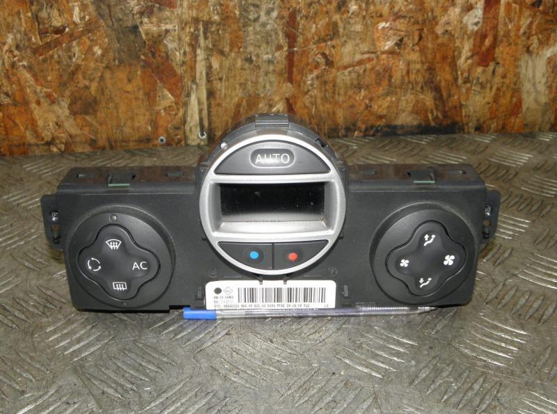 Блок управления климат-контролем Renault Clio BR K4M801 (1.6) 2008