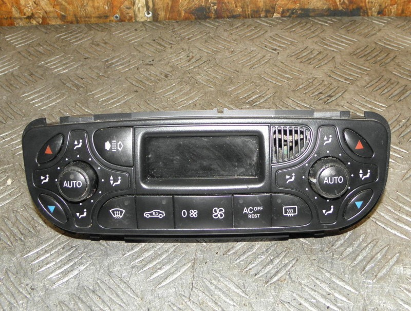 Блок управления климат-контролем Mercedes-Benz Clk-Class W209 M112E32 2004