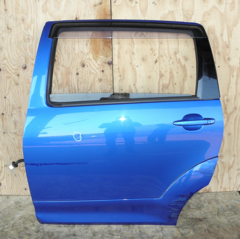 Дверь Toyota Wish ZNE10 1ZZFE задняя левая