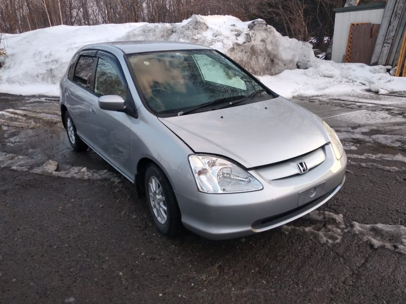 Автомобиль Honda Civic EU3 D17A 2001 года в разбор