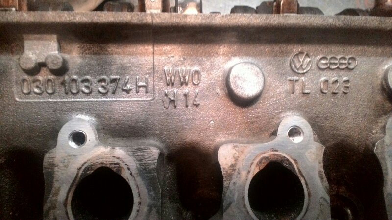 Головка блока цилиндров Volkswagen Polo 6N1 AKV