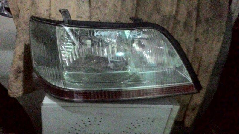 Фара Toyota Crown Majesta JZS177 2JZGE передняя правая