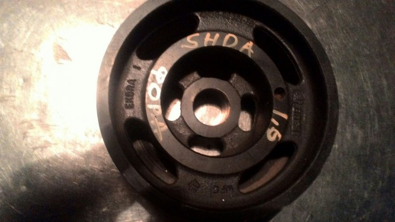 Шкив коленвала Ford Focus 2 SHDA