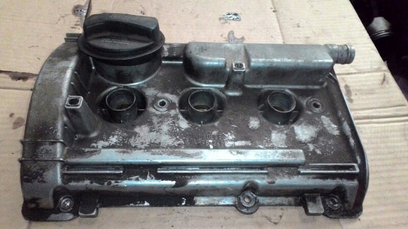 Крышка клапанов Volkswagen Passat В5 AMX 2 8