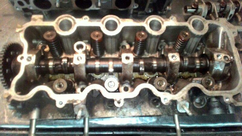 Головка блока цилиндров Honda Fit GD1 L13A