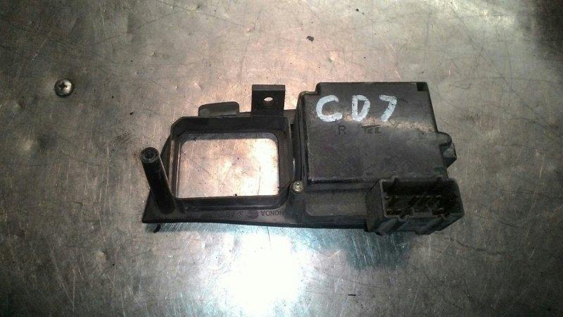Блок управления стеклоподьемниками Honda Accord CD7 F22B