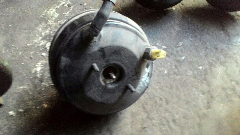 Вакуумный усилитель тормозов Nissan Pulsar N15 CD20
