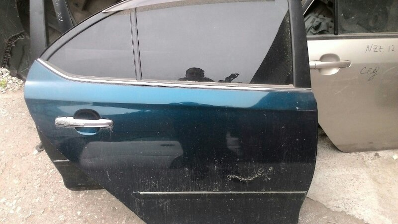 Дверь боковая Toyota Premio ZZT240 задняя правая