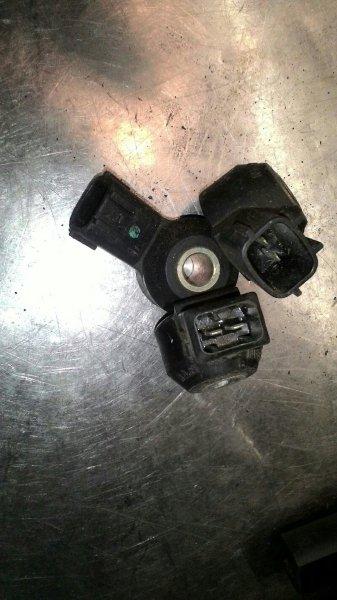 Датчик детонации Nissan Bluebird U14 SR18DE