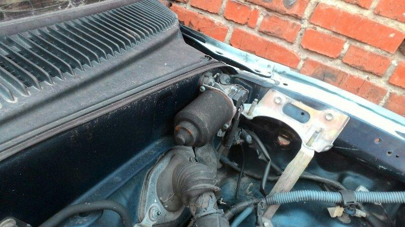 Мотор дворников Toyota Hilux Surf KZN185 1KZTE