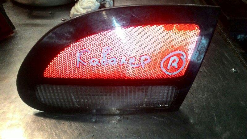 Вставка в крышку багажника Toyota Cavalier TJG00 T2 задняя правая