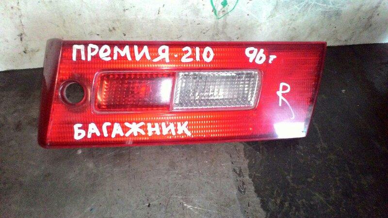 Вставка в крышку багажника Toyota Corona Premio AT210 7AFE задняя правая